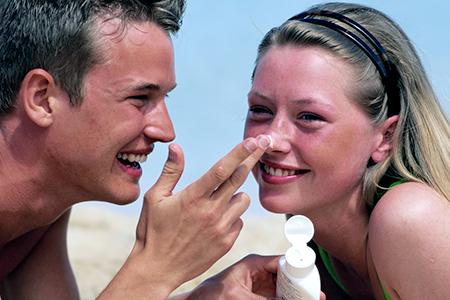 Wissen Sie, wie Sie verbrannte Haut richtig versorgen?